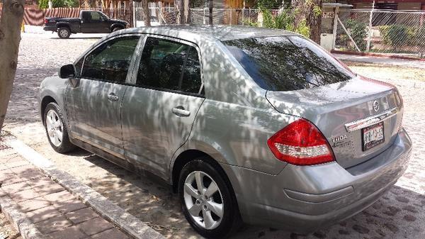 Tiida sedan unico dueño -13