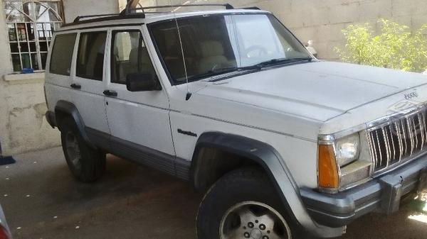 Jeep cherokee -93