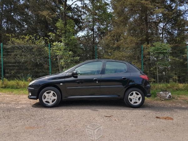 Peugeot 206 x-line triptronic -08