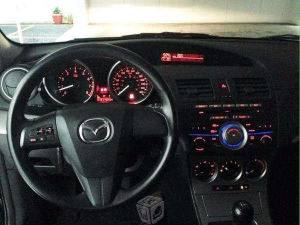 Mazda 3 iTouring Sedan -10