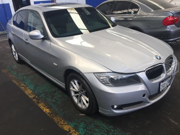 BMW Serie 325i -11