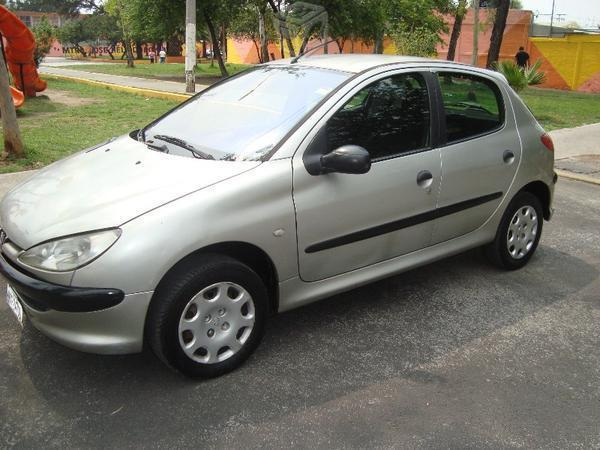 Peugeot estándar 4 puertas bonito -06