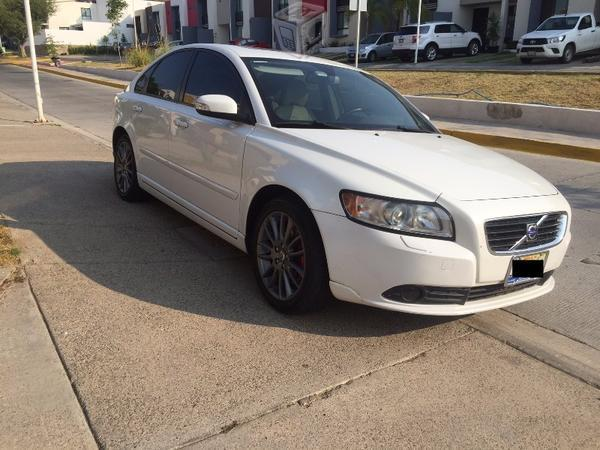 Volvo S40 T5 Kinetic Impecable -09