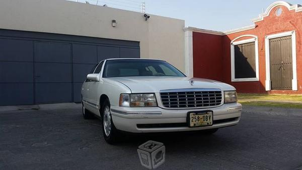 Cadillac en muy buen estado -97