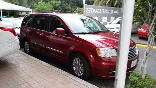 Chrysler town and country touring -14