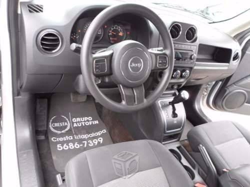 Hermosa camioneta jeep Patriot color plata -14